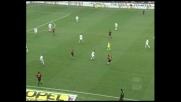 Destro da fuori da Kakà, solo il palo vieta il goal contro l'Atalanta!
