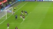 Diego Lopez devia in corner il colpo di testa di Guarin nel derby di Milano
