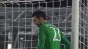 Diego Lopez respinge la botta di Schelotto dal Limite