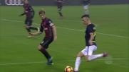 Donnarumma blocca il tiro-cross di Perisic deviato da Icardi nel derby di Milano