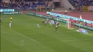 Dribbling secco di Zarate che fugge verso la porta della Juventus