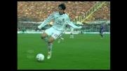 Kakà perde l'appoggio e finisce gambe all'aria contro la Fiorentina