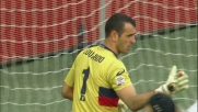 Eduardo si allunga e annulla la punizione di Sneijder
