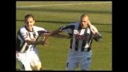 Buffon non trattiene, Dossena lo punisce e realizza il goal del vantaggio per l'Udinese