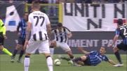 Tackle da cartellino rosso per Carmona contro l'Udinese