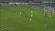 Farias cerca il gran goal con un pallonetto contro il Chievo