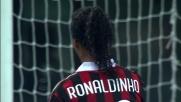 Frey attento sul colpo di testa di Ronaldinho manda in corner con un colpo di reni