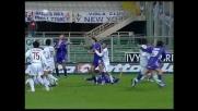 Gamberini a terra dopo il contatto con Giuliatto: calcio di rigore per la Fiorentina