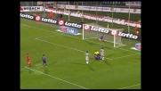 Comotto sulla linea respinge con la mano: rigore per l'Udinese ed espulsione del giocatore viola