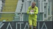 Gillet con la punta delle dita evita a Nené di segnare un goal