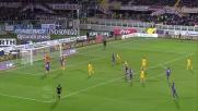 Gonzalo Rodriguez sbaglia l'incornata e la palla esce di un soffio nel match col Verona