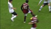 Gran controllo di petto e tacco no-look per Ronaldinho contro l'Atalanta