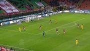 Grande intervento in scivolata di Rami contro il Parma
