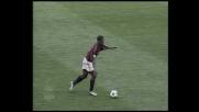 Seedorf cerca l'assist con un pallonetto
