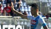 Hamsik prova il destro da fuori e sfiora il goal contro il Cagliari