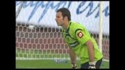 Handanovic neutralizza con un gran riflesso il tiro di Diego Milito