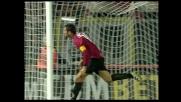 Lucarelli fuori equilibrio colpisce di testa, ma la palla termina a lato