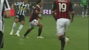 Ronaldinho salta Poulsen con una finta