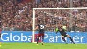 Iago Falque a botta sicura segna il goal del vantaggio per il Genoa