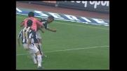 Iaquinta entra nell'area della Juventus: collisione con Cannavaro e ammonizione per simulazione