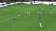 Icardi sfiora l'incrocio della porta dell'Udinese con un tiro a giro da fuori area