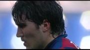 Il centrocampista del Genoa Zapater castiga Marchetti dagli 11 metri