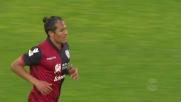 Il colpo di testa di Bruno Alves termina di poco alto