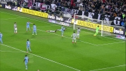 Il colpo di testa di Evra termina a lato nel match con la Lazio