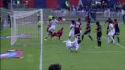 Il colpo di testa di Marcos Alonso viene respinto dal compagno Gomez