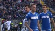 Il difensore del Sassuolo Acerbi ferma in tackle Badu