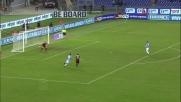 Il difensore della Lazio Mauricio anticipa Quagliarella ed evita il pericolo
