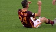 Il difensore della Lazio Mauricio intercetta l'avanzata di Florenzi