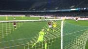 Il tiro al volo di sinistro di Hamsik sfiora l'incrocio della porta del Milan