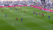 Il tiro di Pogba è deviato, la Juventus è in vantaggio