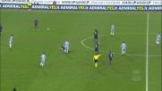 Immobile colpisce al volto Tomovic, fallo pericoloso dell'attaccante della Lazio