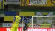 Imperioso stacco di testa di Paloschi contro la Lazio che si spegne sul fondo