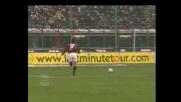 Inzaghi anticipa l'uscita di De Sanctis: è rigore per il Milan