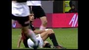 Inzaghi cerca il goal, ma si aggancia con Biava e va a terra
