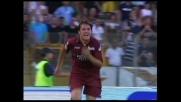 Vailatti schiaccia di testa alle spalle di Ballotta: è il goal del pari del Torino all'Olimpico