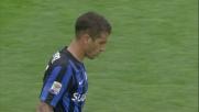 Carmona fuori tempo su Cataldi: l'arbitro fischia il fallo