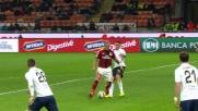 Jankovic sbaglia il bersaglio e atterra in area Mexes: rigore per il Milan