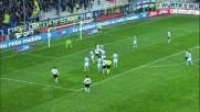 Josè Mauri strozza il sinistro e spedisce fuori contro la Lazio