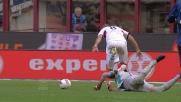 Julio Cesar stende in area Palacio: rigore per il Genoa