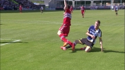Widmer recupera su Regini in tackle