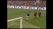Adriano grazia il Milan nel derby