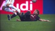 Il giovane Locatelli abbatte Nainggolan con un tackle da giallo