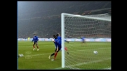 Konan segna il goal dell'1-1 per il Lecce a San Siro contro il Milan