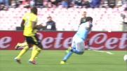 Higuain difende palla nello stretto con la Lazio
