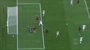 Kucka non riesce nella girata in zona goal in Milan-Genoa
