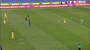 Felipe Anderson fa tremare il palo del Chievo all'Olimpico